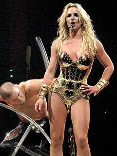 Britney Spears Walks Off Stage During Concert