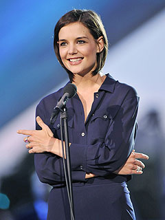 Katie Holmes Sweetens the Pot for Her Costars