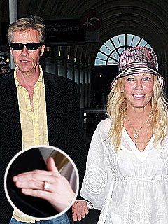 What's With Heather Locklear's Mystery Ring?