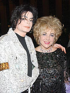 Elizabeth Taylor Gives Michael Jackson Film a Standing Ovation