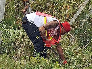 Chris Brown Begins Community Labor Sentence