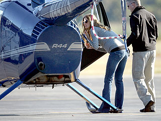 Gisele B&#252;ndchen Passes Written Exam for Pilot&#39;s License