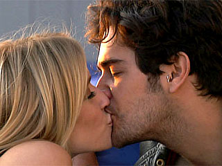 The Hills Finale: Kristin & Justin Bobby Give It aGo