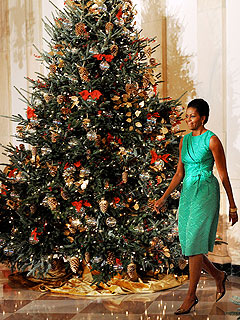 Obamas Recycle Ornaments from Christmas Past