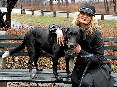 EXCLUSIVE!  Kyra Sedgwick Lends a Hand to Unwanted Pets