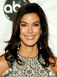 She's No Crazy Cat Lady! Teri Hatcher Adopts Bulldog