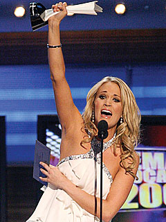 Carrie Underwood Beats Out the Boys at ACMs