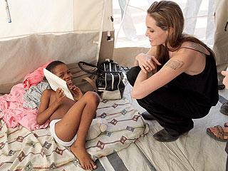 PHOTO: Angelina Jolie Visits Hospital in Haiti