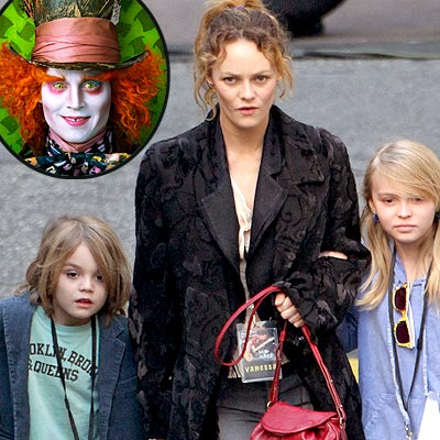 Johnny Depp&#39;s Kids Give Alice a Thumbs-Up