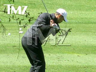 PHOTO: Tiger Woods Secretly Caught (Golfing)
