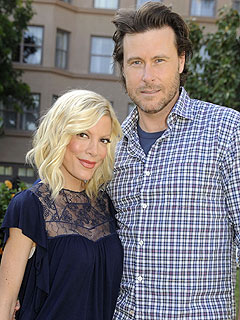 Tori Spelling and Dean McDermott Tie the Knot – Again!