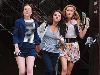 SNEAK PEEK: Selena Gomez, Leighton Meester and Katie Cassidy on the Run in Paris