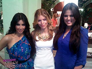 PHOTO: Kim and Khloe Kardashian on Set of90210