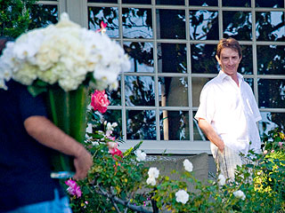 PHOTO: Grieving Martin Short Accepts Flowers After Wife's Death