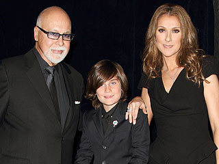 A Very Pregnant Céline Dion Relaxes with Her Family