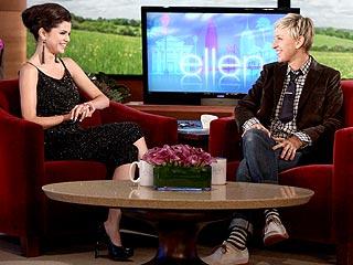 Selena Gomez Has an 'Awful' Pre-Concert Ritual