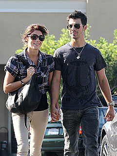 Source: Joe Jonas Is 'Head Over Heels' for Ashley Greene
