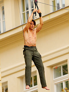 Shirtless Tom Cruise 'Hangs Out' on Mission: Impossible Set
