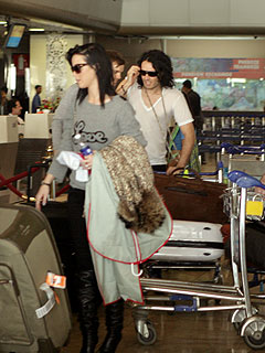 PHOTO: Wedding Bells Chiming as Katy Perry & Russell Brand Arrive in India