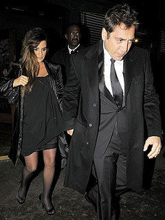 Pregnant Penelope Cruz Steps Out to Dinner in London