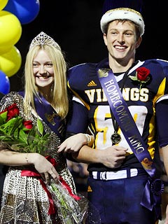 Dakota Fanning Crowned Homecoming Queen