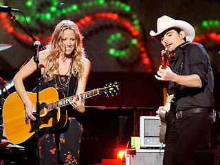 Brad Paisley and Sheryl Crow Celebrate a Country Christmas