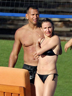 PHOTO: Cameron Diaz & Alex Rodriguez Show Off Beach Bodies in Mexico