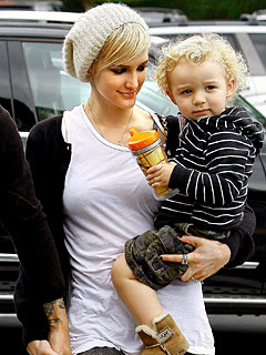 Ashlee Simpson-Wentz's Son Doubling Up on Holiday Gifts