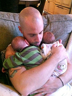 PHOTO: Chris Daughtry Shows Off Twins