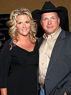 Garth Brooks Trisha Yearwood Make Five Year Anniversary