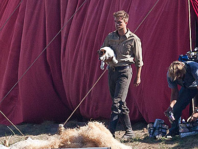 Spotted: Robert Pattinson with a Puppy ... Squeal!