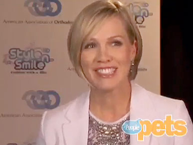 VIDEO: Jennie Garth's 'Petting Zoo' Has Cats, Goats and Chickens