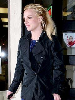 Celeb Sightings: Gwen Stefani, Britney Spears, Zac Efron, Scarlett Johansson
