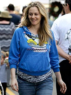 Celeb Sightings: Alicia Silverstone, George Clooney, Jessica Szohr, Mark Salling