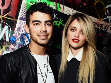 Is Joe Jonas Dating Sky Ferreira?
