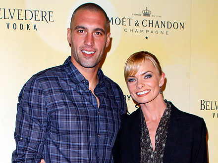 Jaime Pressly Parties in Vegas with Her New Man