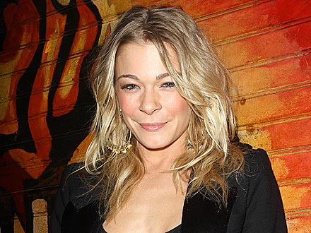 LeAnn Rimes Checks Out Go-Go Dancers