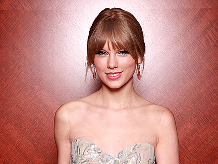 All the Details on Taylor Swift's Decadent Birthday Cake!