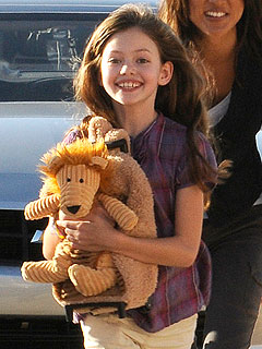 Mackenzie Foy Plays Robert Pattinson & Kristen Stewart's 'Twilight' Child