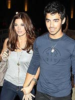 Joe Jonas and Ashley Green Share Cocktails & Kisses | Ashley Greene, Joe Jonas