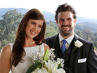 Chuck's Sarah Lancaster Is Married – and Pregnant