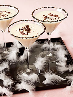 Oscars 2011: Black Swan-Inspired Cocktail Recipe