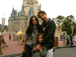 Courteney Cox & David Arquette Take Coco to Disney World