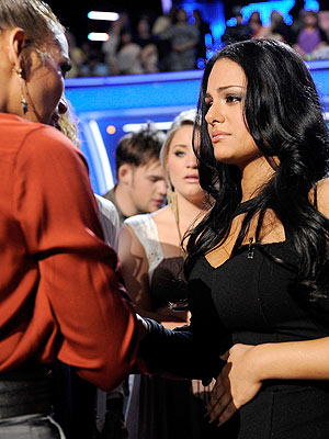 Pia Toscano of American Idol Gets Advice from Jennifer Lopez