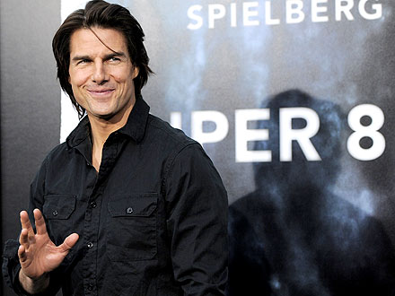Super 8 Premiere: Tom Cruise, Elle Fanning Attend