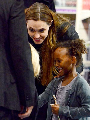 Angelina Jolie Pictures, Shopping in London with Zahara
