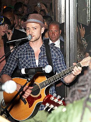 Kim Kardashian Attends Justin Timberlake's Free Concert