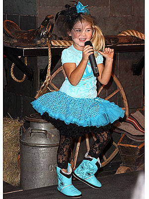 Toddlers & Tiaras Star Eden Wood Goes to Fashion Week