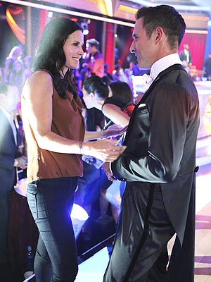 David Arquette, Courteney Cox Reunite for Cougar Town