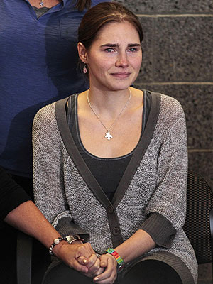 Amanda Knox Arrives in Seattle after Four Years in Italian Prison